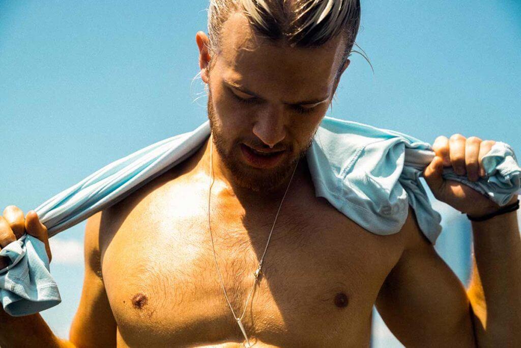 Adipomastie : tout savoir sur cette hypertrophie de la poitrine masculine
