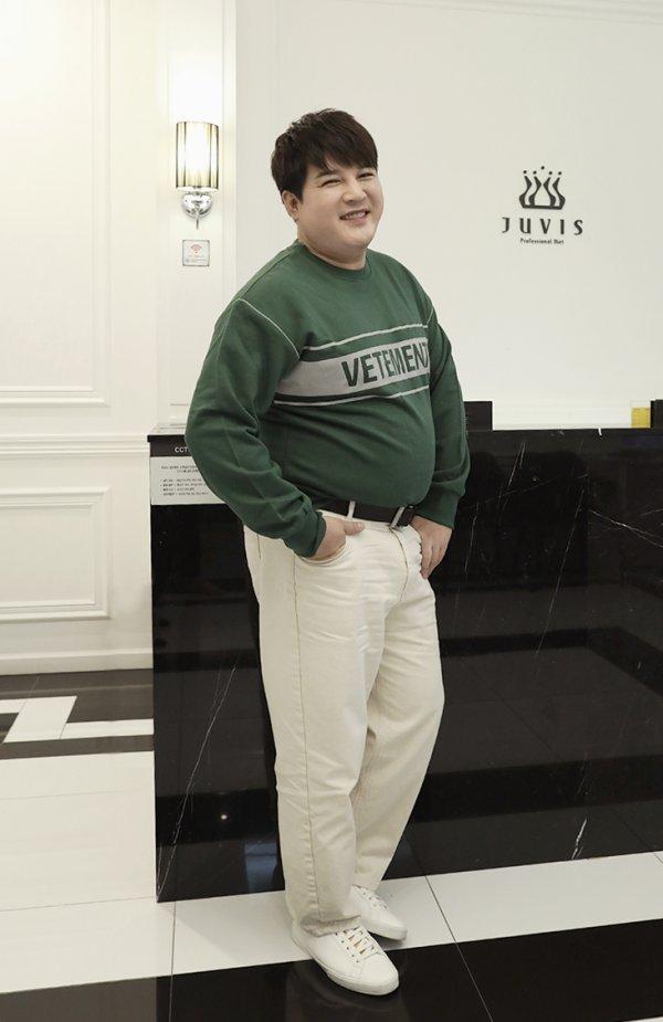 Super Junior Shindong partage l'avancement de son parcours actuel de perte de poids